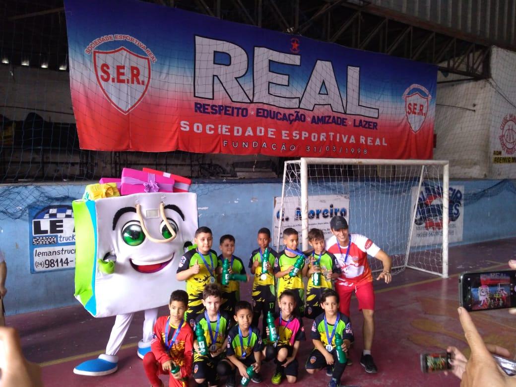 Foto - Lazer e alegria marcam Torneio de Futsal Infanto-Juvenil da CDL Barra Mansa