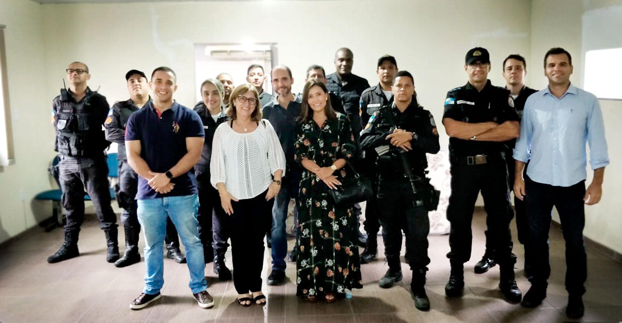 Foto - Entidades de Barra Mansa fazem doação de colchões para 2ª Cia. da Polícia Militar