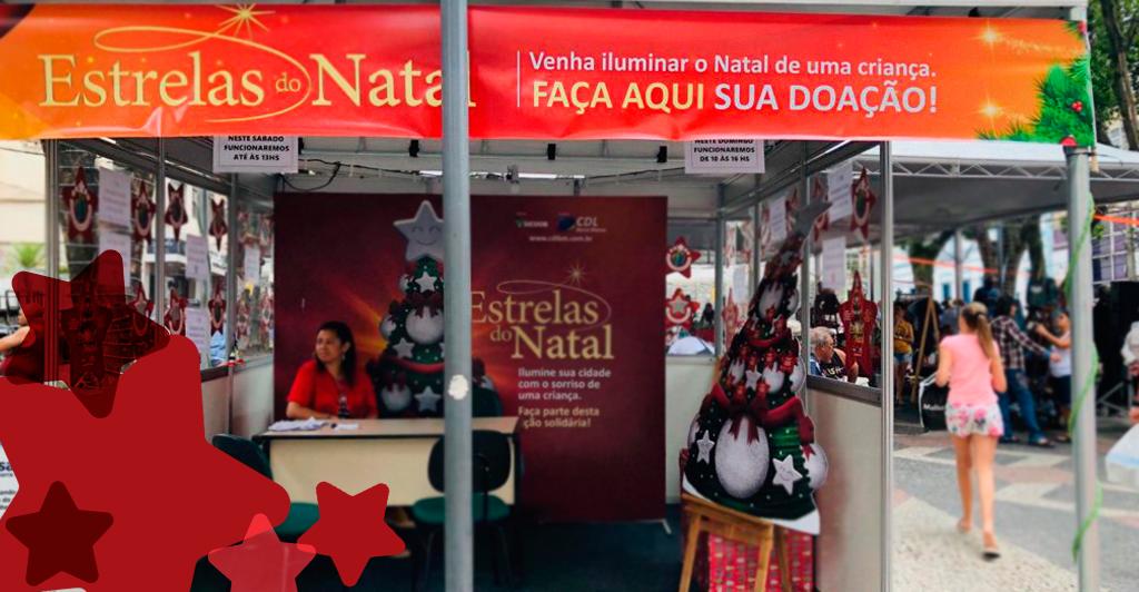 """Foto - Fase final da entrega das estrelinhas da Campanha """"Estrelas do Natal"""""""
